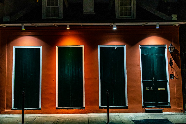Green shutters at 1015.