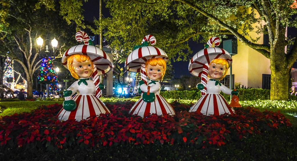 Christmas figures DHS