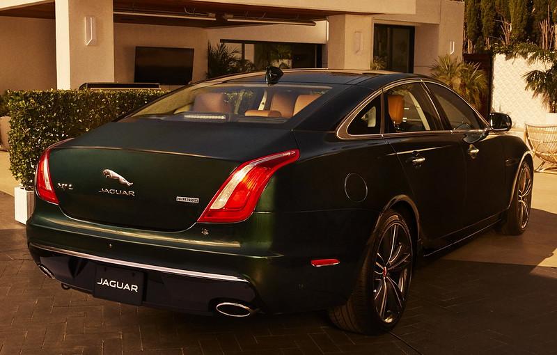 2019-Jaguar-XJ-Collection-06