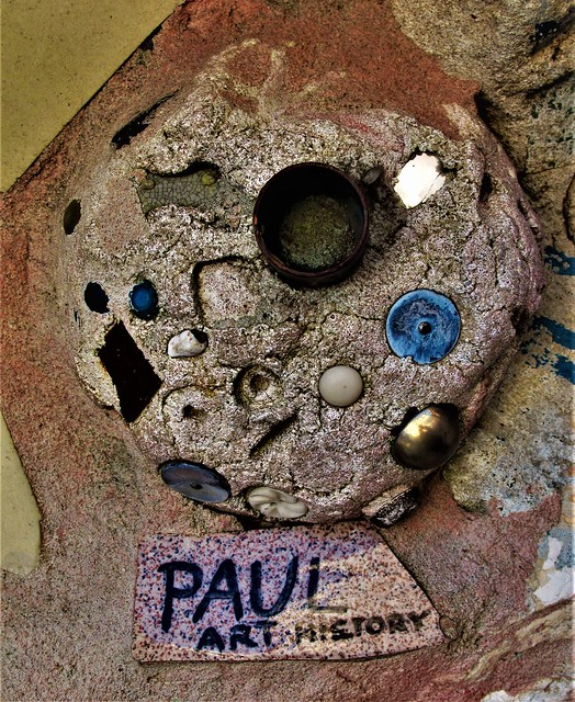 Magic Garden Detail. Philadelphia, Pa. ISA IAH ZAGAR and Crew . PAUL.