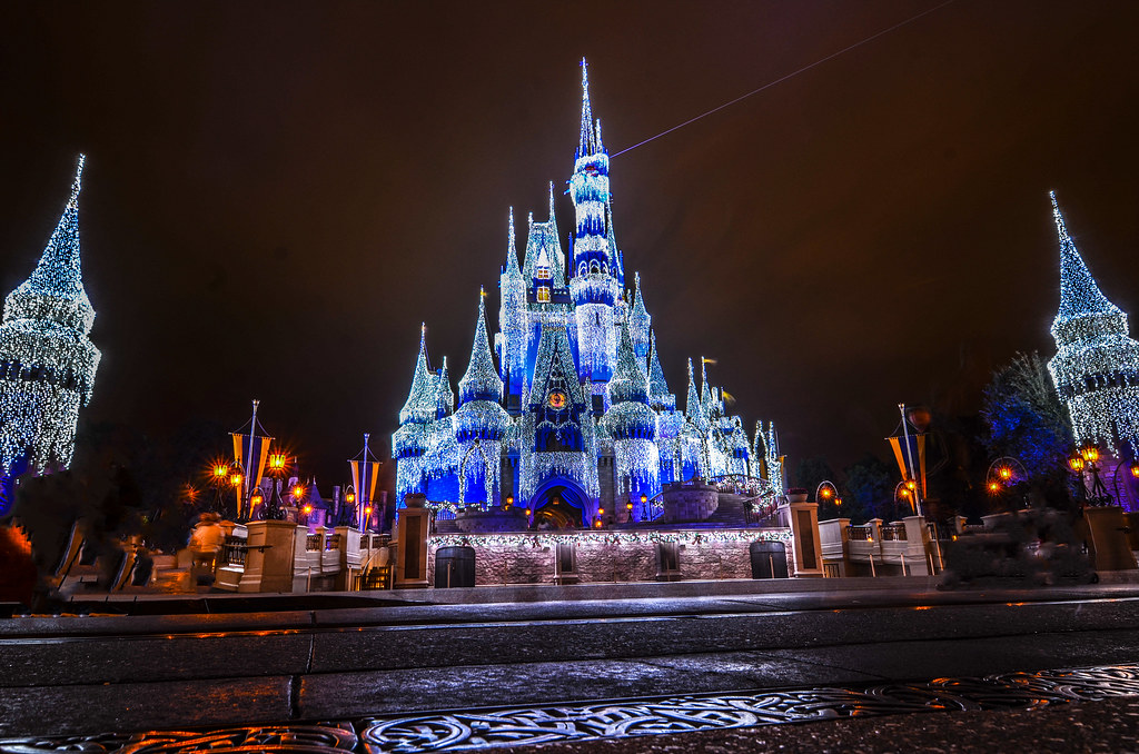 Castle ground Christmas lights MK