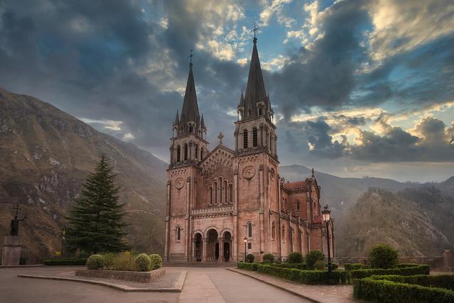 Basílica de Covadonga Asturias