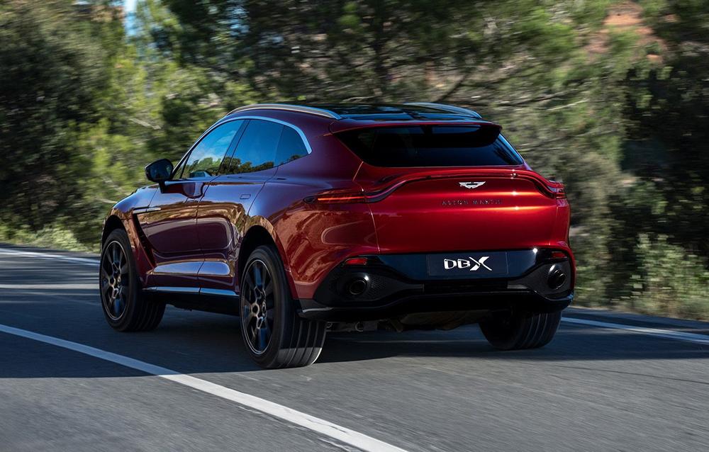 Aston-Martin-DBX-1_1