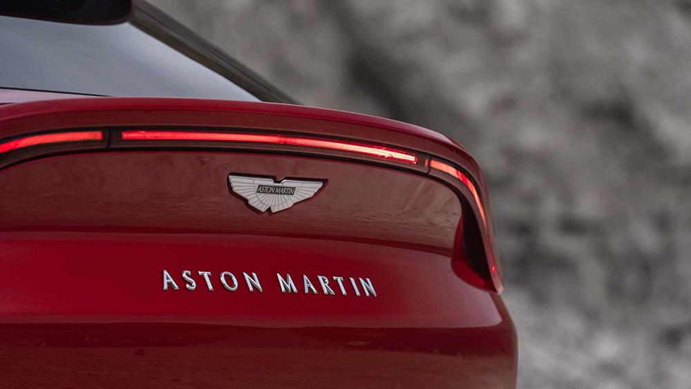aston-martin-dbx (8)