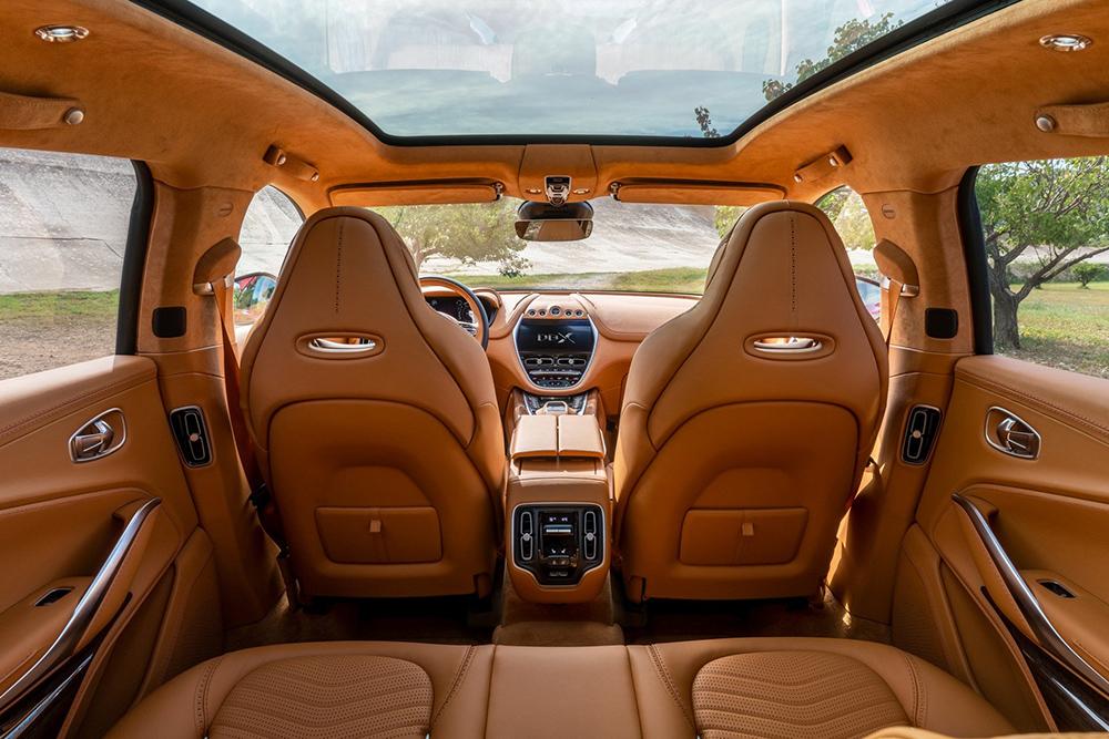 2020-Aston-Martin-DBX-2-1
