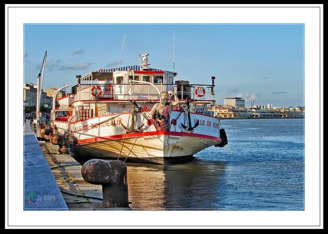 """""""Quand la mer est tranquille, chaque bateau a un bon capitaine."""" prov : Chinois"""