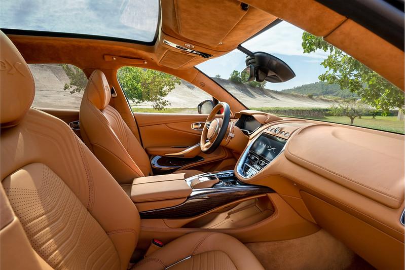 Aston_Martin_DBX11-jpg