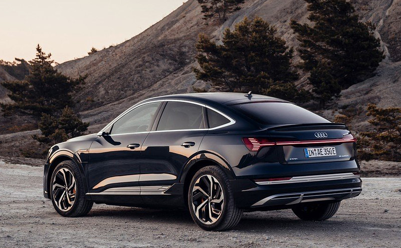 2020-Audi-E-Tron-Sportback-13