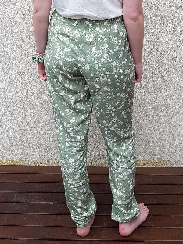Pattern Emporium Harem pants size 8 in rayon