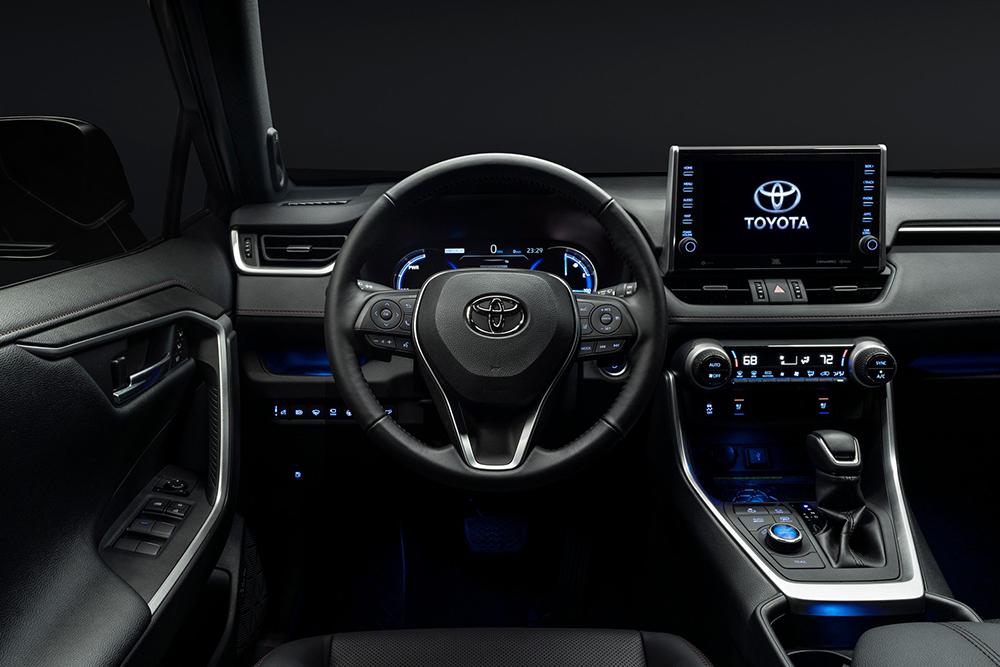 2021-Toyota-RAV4-Prime-25