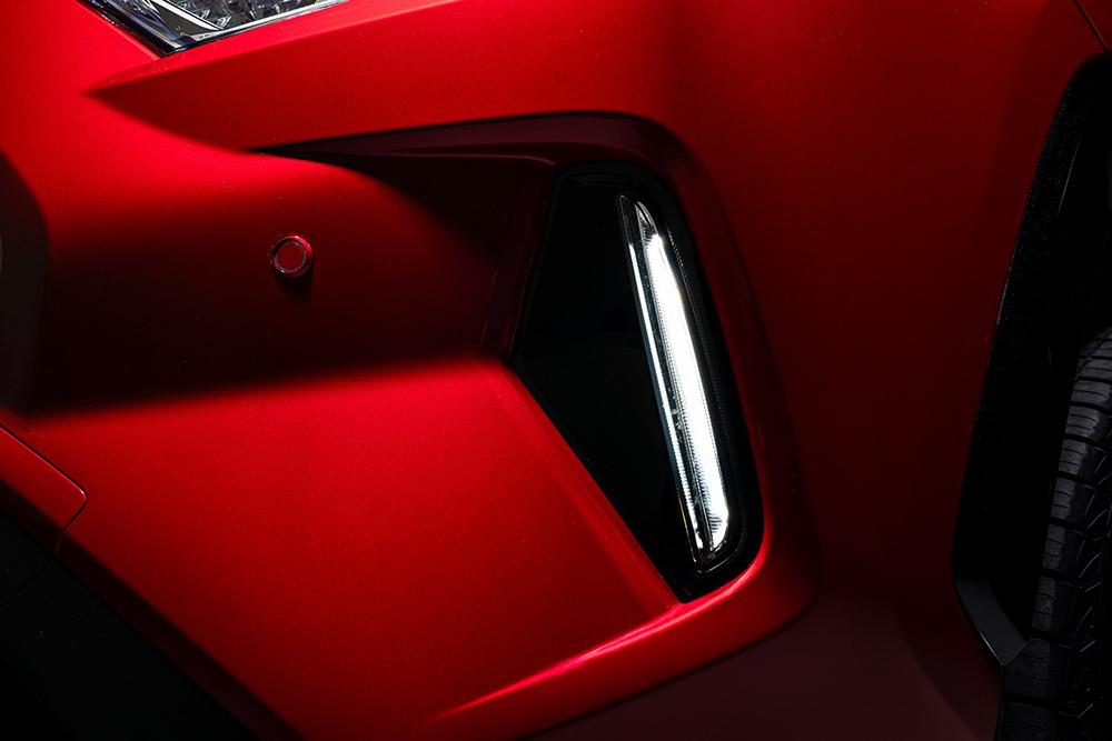 2021-Toyota-RAV4-Prime-16