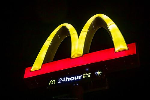 kansas ks coffeyville mcdonalds goldenarches golden arches fastfood fast food restaurant 24hourdrivethru 24 hour drivethru drive thru drivethrough through sign night light
