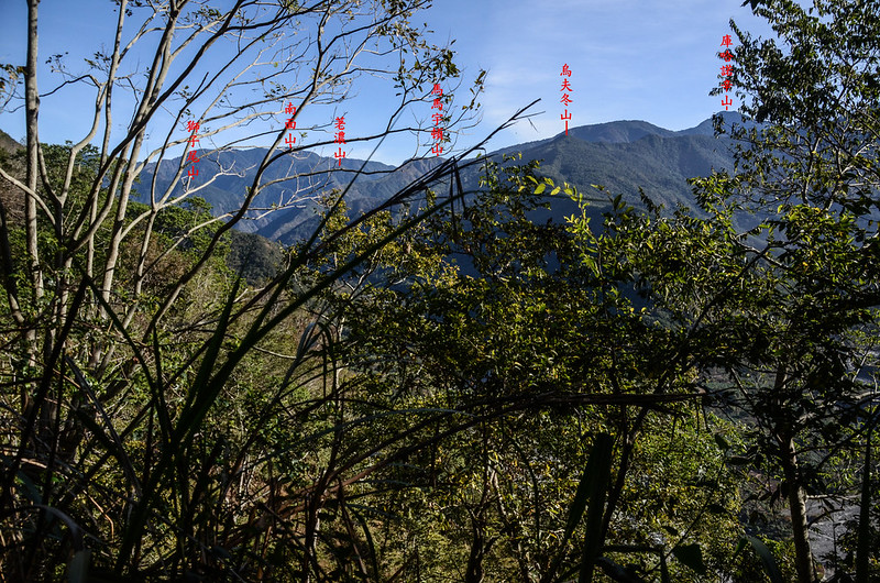 西良母嵐山稜線(H 1050 m)東北望群山 2-1
