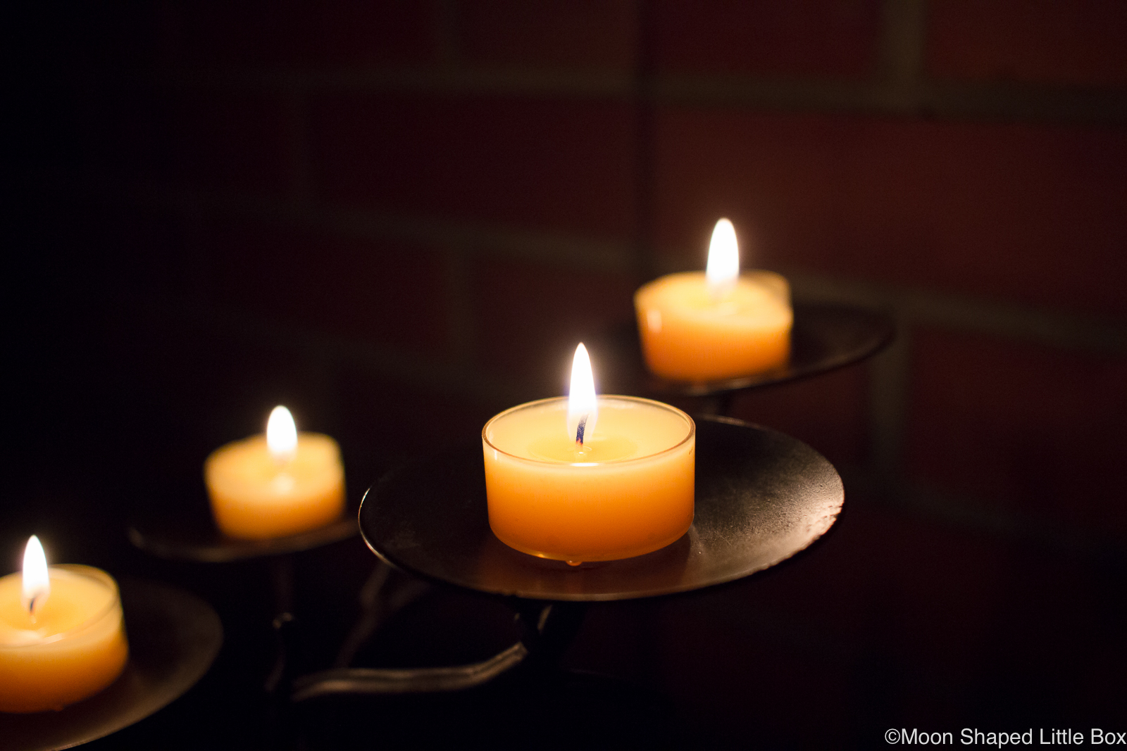 Candles-winter-2019
