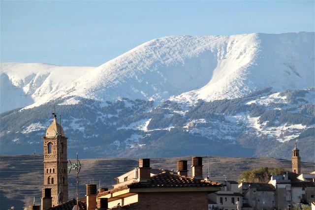 Tarazona, el Moncayo y sus primeras nieves.