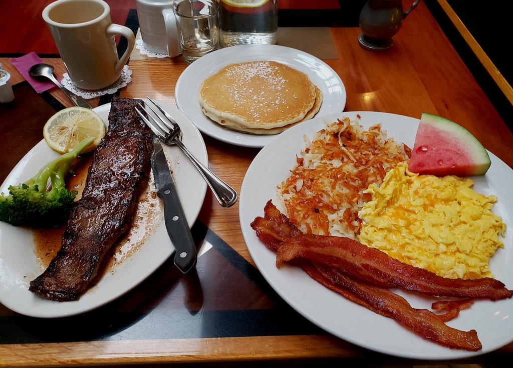Egg Yolk Cafe, Big Breakfast. (s9)