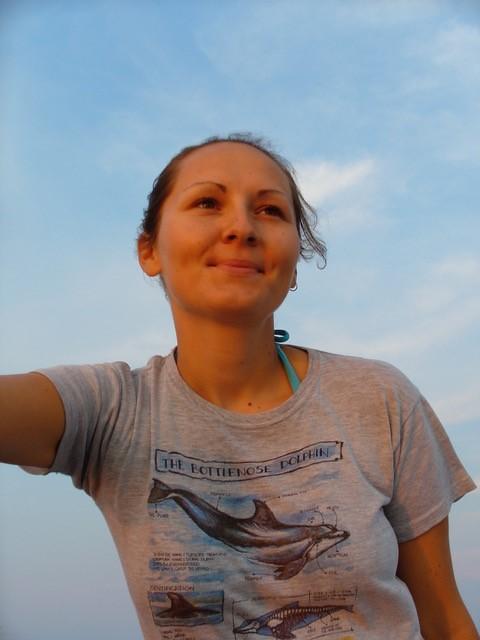 尼瑪伍德越洋受訪,多面向探討鯨豚觀察員的工作。圖片提供:Maja Nimak-Wood