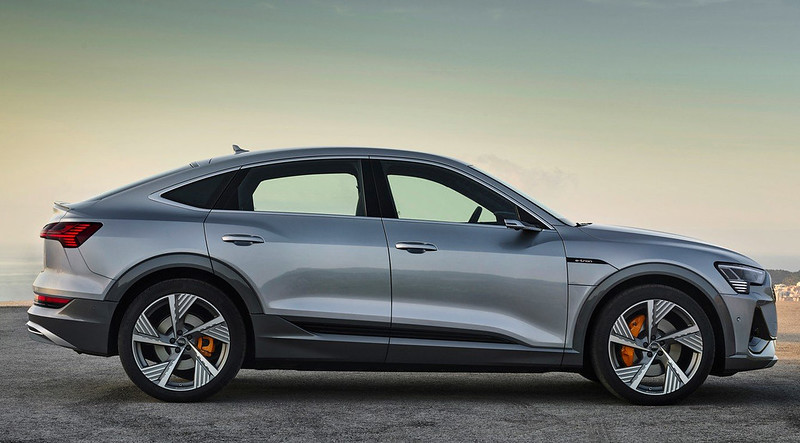 2020-Audi-E-Tron-Sportback-10