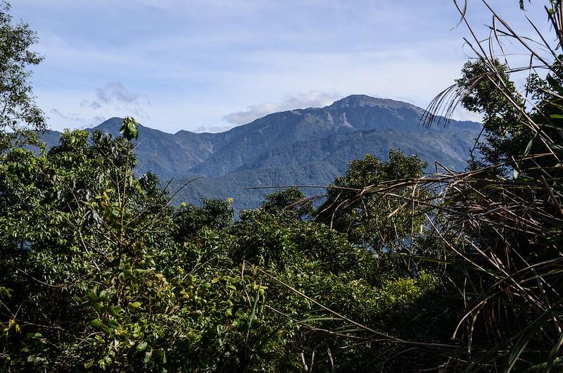 西良母嵐山山頂東望庫哈諾辛山、關山