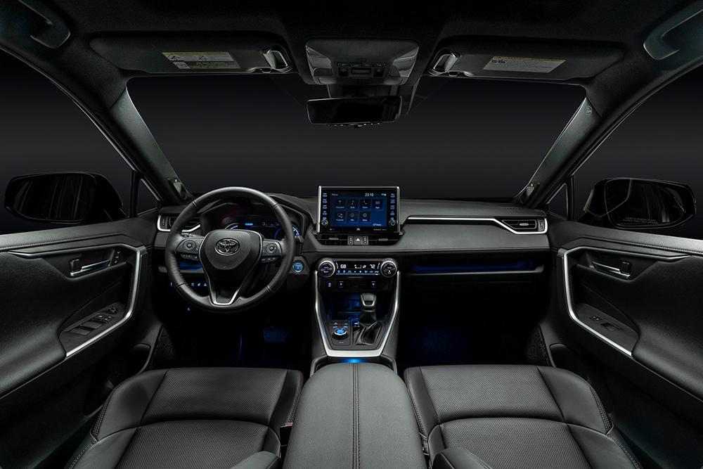 2021-Toyota-RAV4-Prime-24