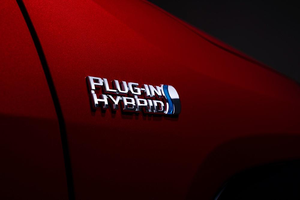 2021-Toyota-RAV4-Prime-13
