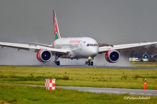 KQ116 Kenya Airways Boeing 787-8 Dreamliner (5Y-KZJ) arriving from Nairobi at Schiphol Amsterdam