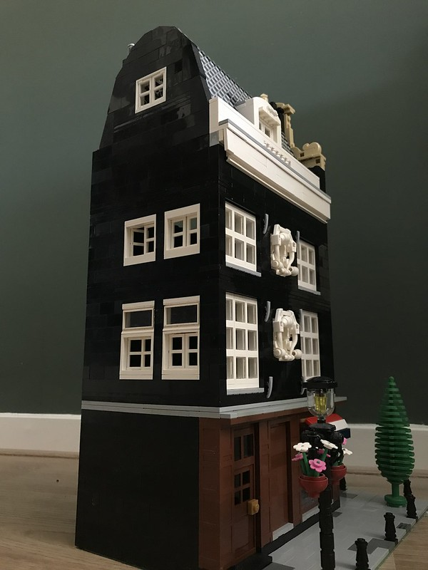 WIP for my Legoideas project Amsterdam Canalhouse. Love the lamppost on the façade