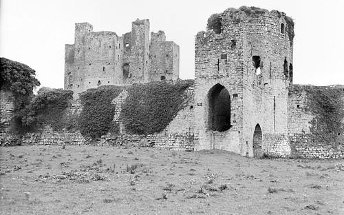 jamespo'dea o'deaphotographiccollection nationallibraryofireland trim comeath trimcastle castle norman normancastle leinster limerickbybeachcomber ireland flipped