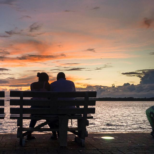 Anoche en la bahía, puerto de Buenaventura en Colombia, foto tomada con iPhone 6 S plus