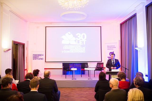 Slavnostní debata: 30 let od obnovení činnosti sociální demokracie v Československu
