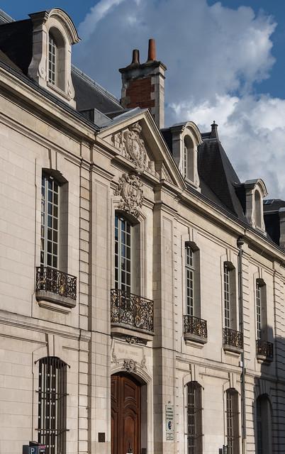 Ancien hôtel de la bourse (1757, archit.  Pierre Meusnier (1702-1781)) - Tours (Indre-et-Loire, France)