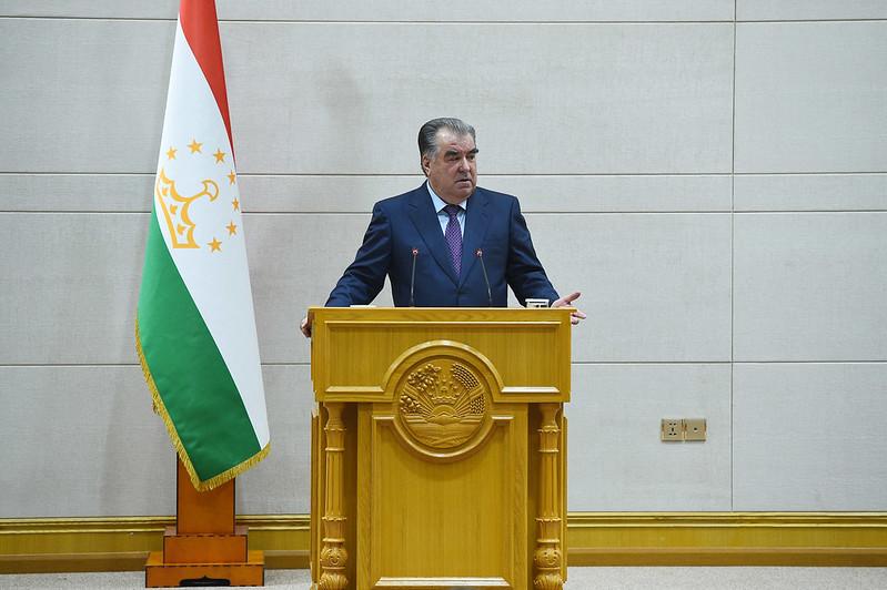 Лидер нации Эмомали Рахмон встретился с работниками судебных органов