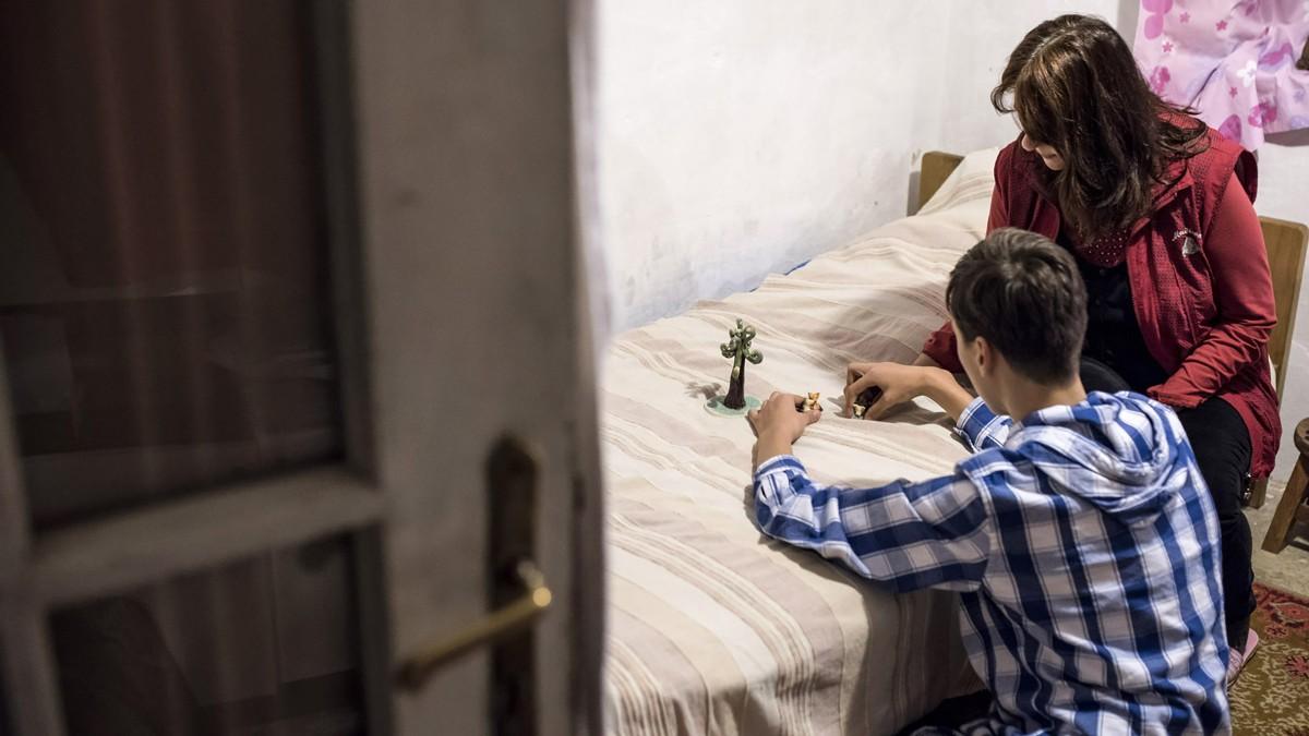 Az autisták megkaphatják az otthongondozási díjat, a downosok továbbra sem