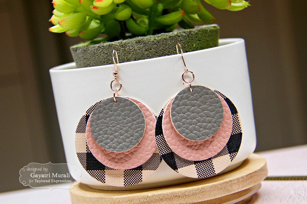 Pink and Black earring #2 closeup1