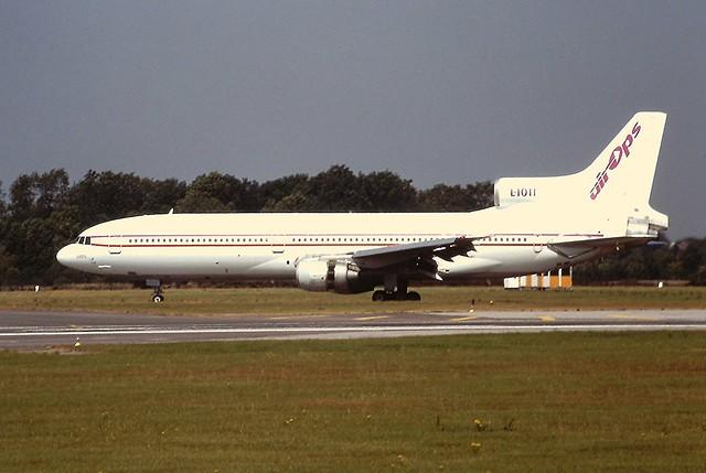 SE-DSD L. Tristrar air Ops Manchester 16-08-95