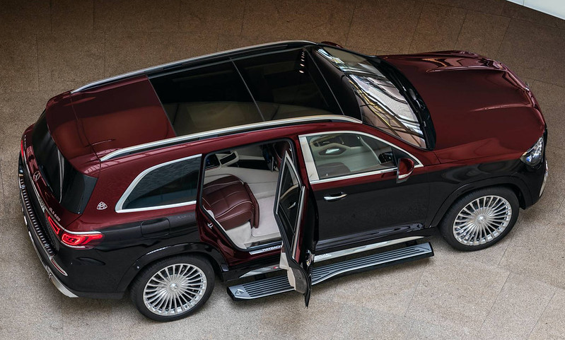 2021-Mercedes-Maybach-GLS-600-4MATIC-14