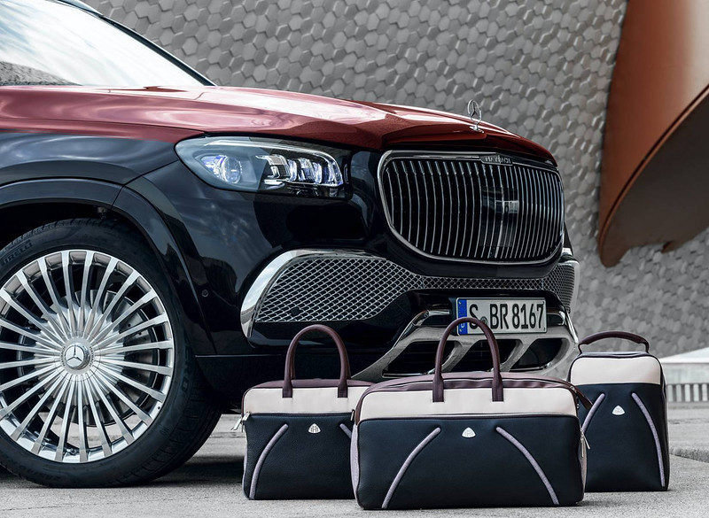 2021-Mercedes-Maybach-GLS-600-4MATIC-12