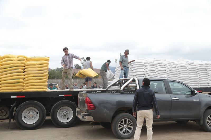 Ministro Walker entrega recursos a crianceros de la Región de Coquimbo.