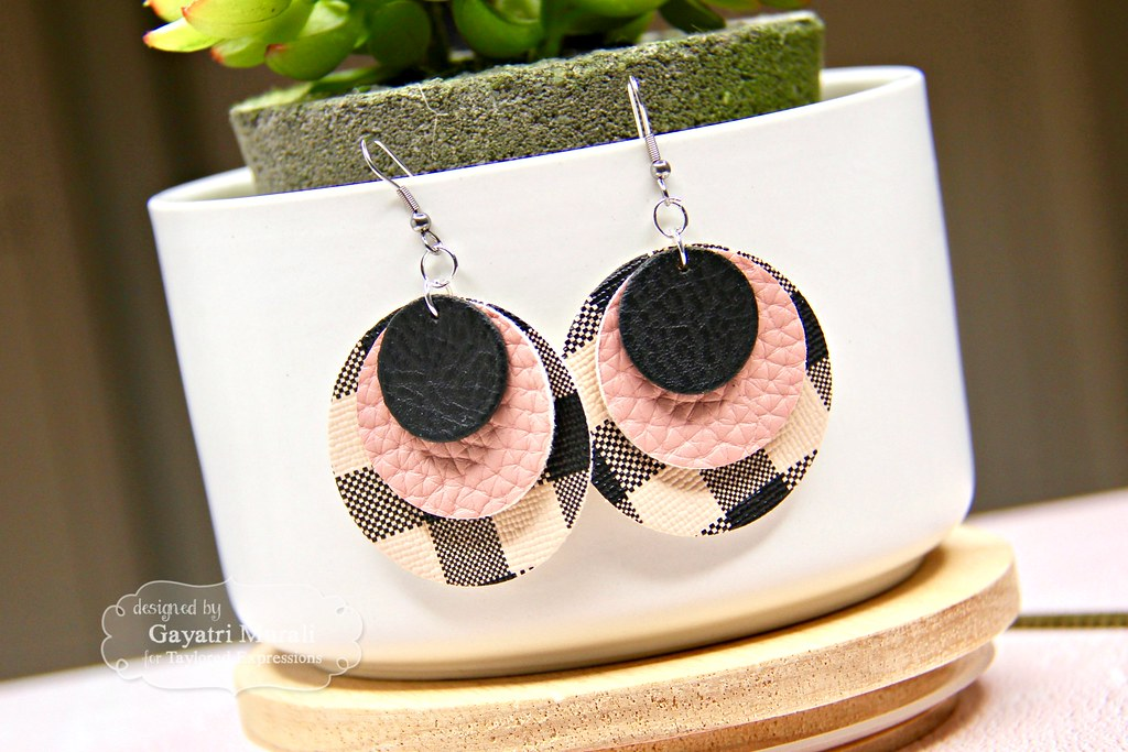 Pink and Black earring #1 closeup1