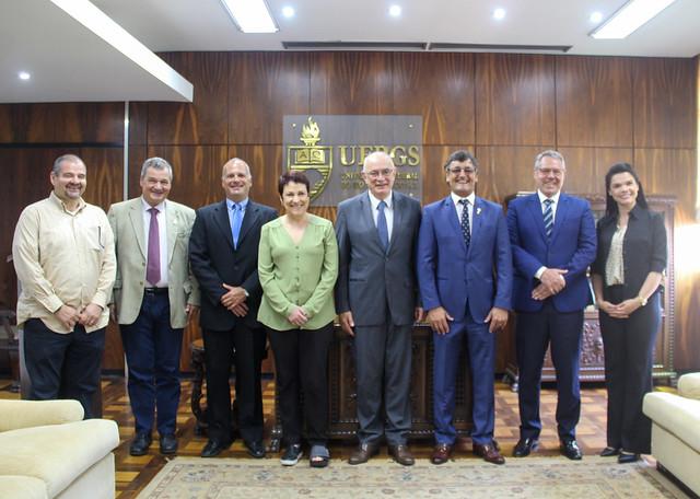 Sessão Solene no Gabinete da Reitoria da UFRGS