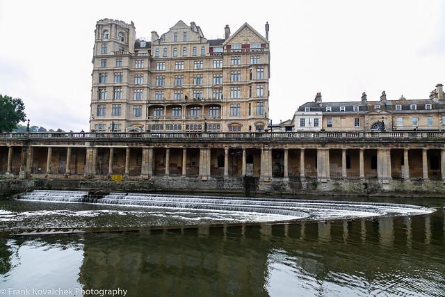 Buildings in Bath near the Pulteney Bridge
