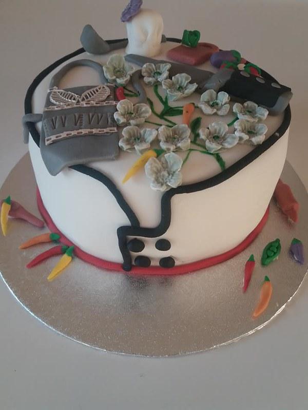 Cake by Tina's Cakes