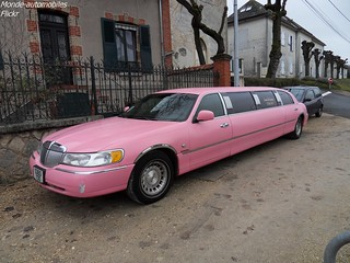 Lincoln Town-Car Limousine