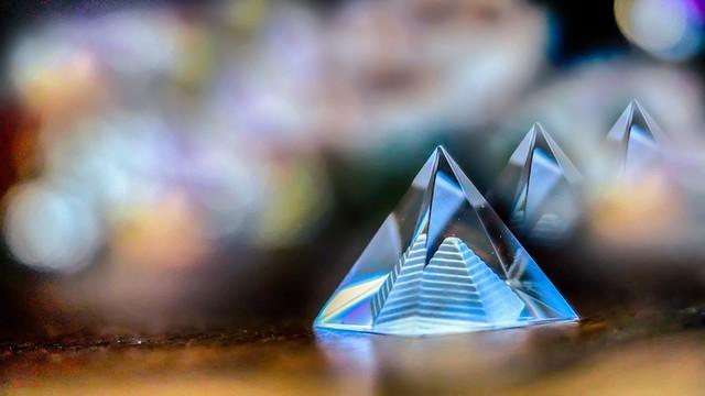 #Pyramide - 7742