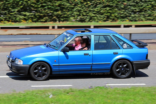 1990 Ford Escort Mk.4 - Heathrow Airport (LHR/EGLL)