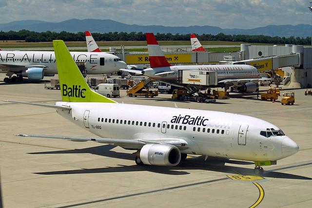 YL-BBQ Boeing 737-522 [26691] (Air Baltic) Vienna-Schwechat~OE 13/07/2009