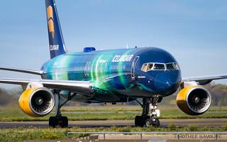 CDG | Icelandair 'Hekla Aurora' livery Boeing 757-200 | TF-FIU