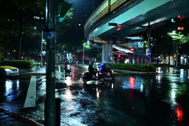 Rainy Night in Taipei