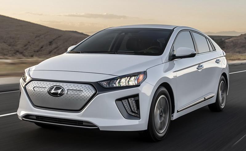 2020-Hyundai-Ioniq-Facelift-01