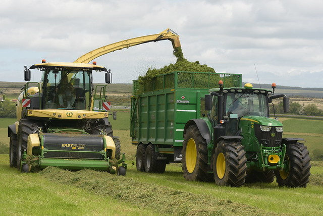 Krone Big X 780 SPFH filling a Broughan Engineering Mega HiSpeed Trailer drawn by a John Deere 6215R Tractor